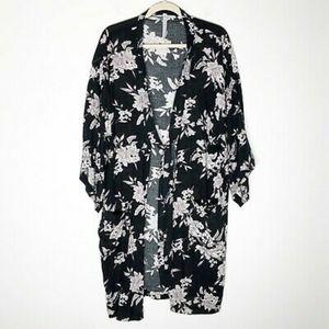 Maya Kimono Black Floral